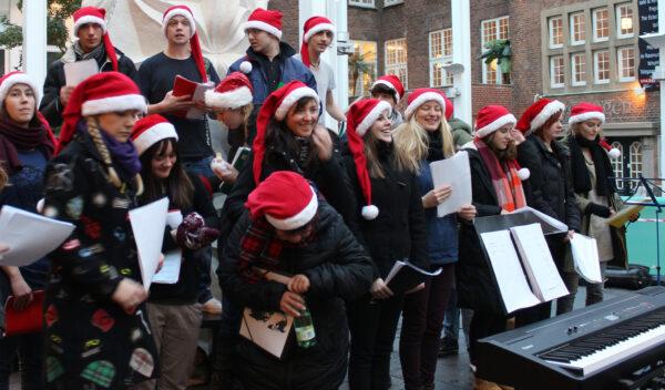 Happy christmas koret er i Vejle for at synge julestemningen op.